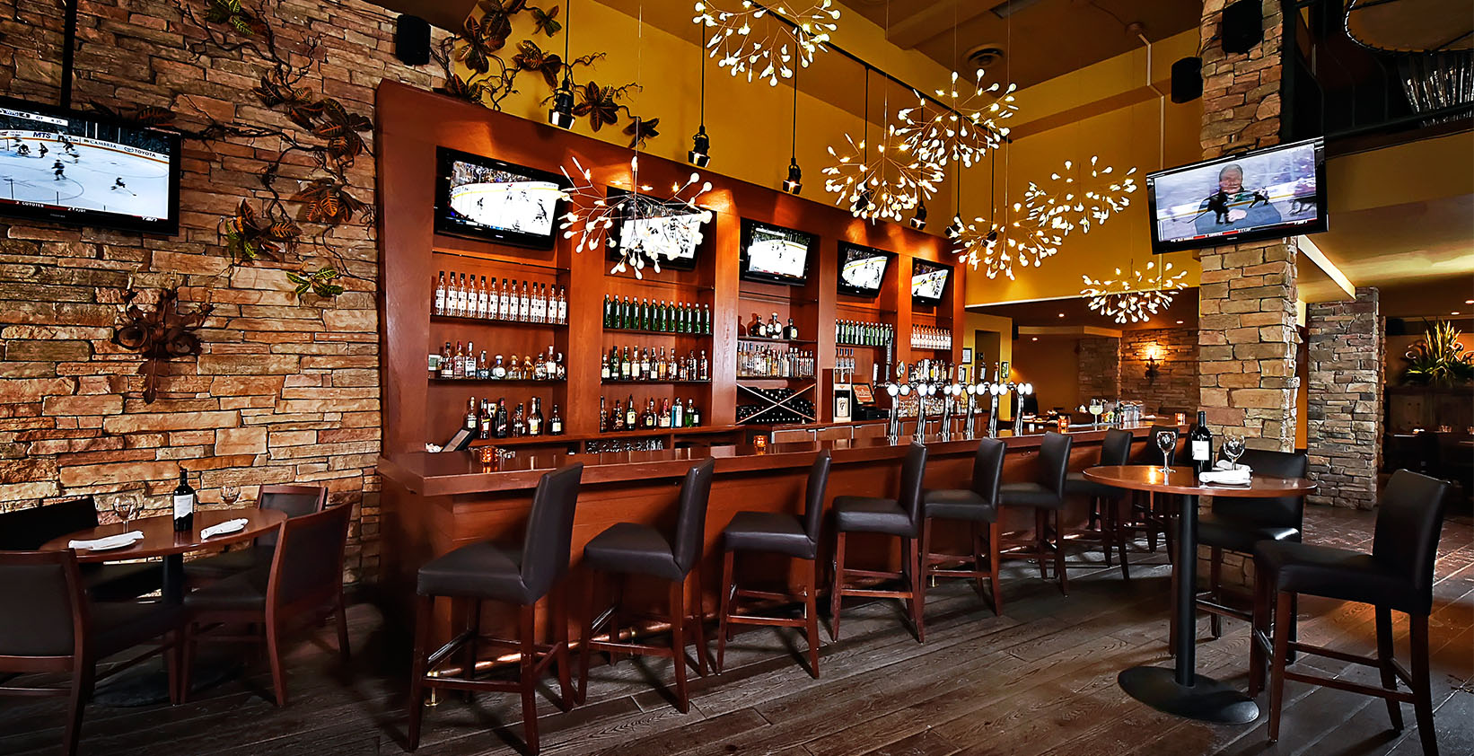 Blue cactus bar and grill home - Restaurant bar and grill ...